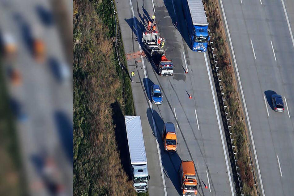 In den Unfall sollen vier LKW verwickelt gewesen sein.