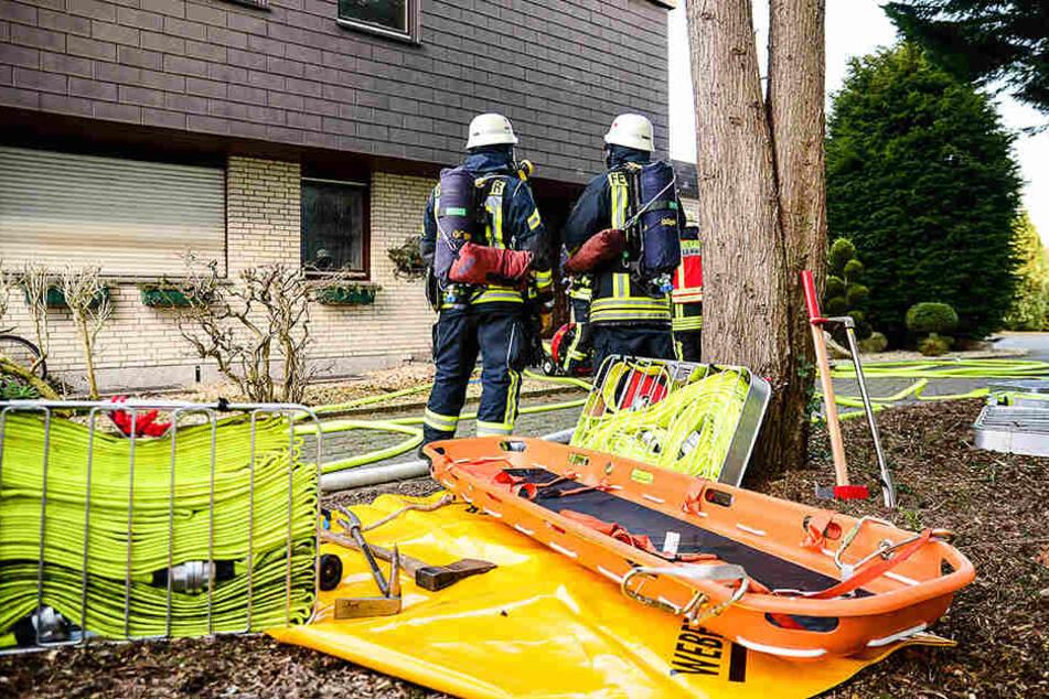 Wohnungsbrand in Bielefeld! Feuerwehr rettet Familie