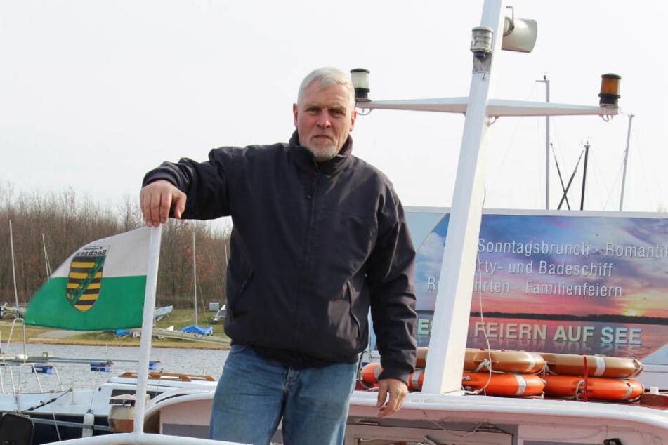 Sein Lebenswerk bleibt erhalten: Der alte Cospuden-Käpt'n Frank Sporleder (65) hat endlich einen Nachfolger für die Fahrgastschifffahrt am Cospudener See gefunden.