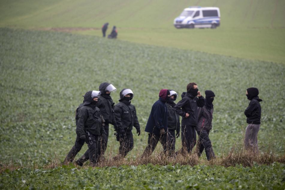 Nur wenige Demonstranten versuchten die Rodungen am Dannenröder Forst zu stören.