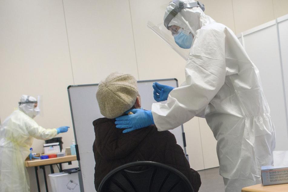 Bei einem PCR-Test wurde das Coronavirus nachgewiesen. (Symbolbild)