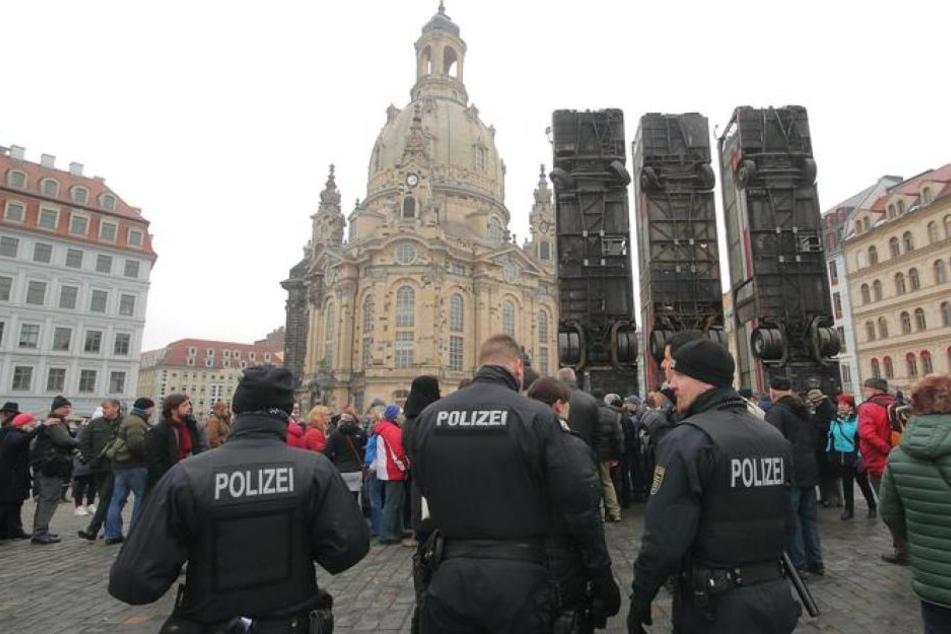 Bus-Mahnmal steht jetzt unter Polizeischutz