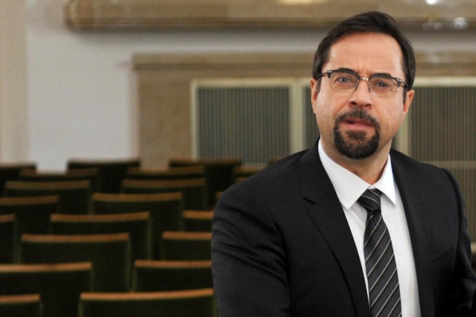 Jan Josef Liefers (53) ist als Krawattenmann des Jahres ausgezeichnet worden.