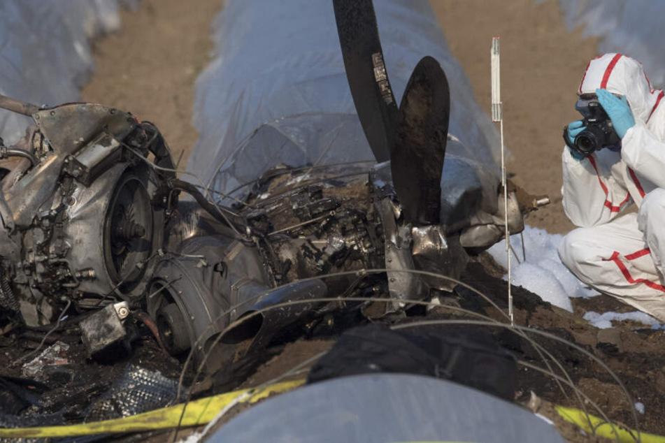 Tragischer Flugzeugabsturz über Spargelfeld: Identität der drei Toten geklärt