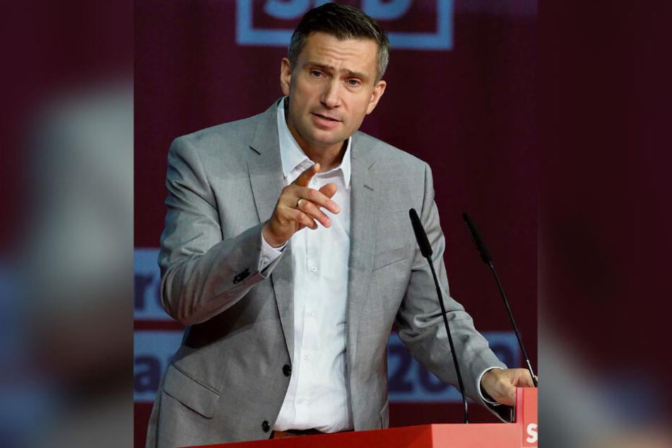 Landeschef Martin Dulig (45) stemmt sich gegen den Negativ-Trend, der seine Partei derzeit in immer neue Umfrage-Tiefen stürzt.