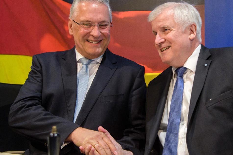Joachim Herrmann (l.) erwartet einen schnelle Einigung mit dem Bund.