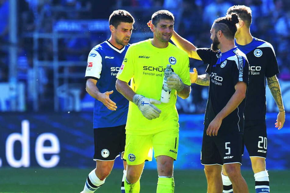 Florian Dick (li.), Wolfgang Hesl (mi.), David Ulm (Nr. 5) und Manuel Junglas (Nr. 20) könnten Arminia am Ende der Saison verlassen.