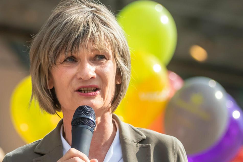 Oberbürgermeisterin Barbara Ludwig (58, SPD) setzt Himmel und Hölle in Bewegung, um den Kaufhof doch noch zu retten.