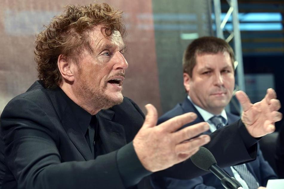 Dieter Wedel (l) als Intendant der Bad Hersfelder Festspiele. Er gilt als einer der erfolgreichsten deutschen Regisseure.