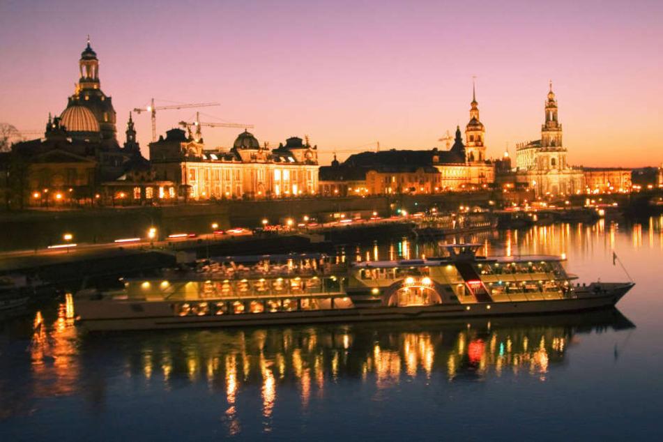 Der Blick auf die Dresdner Altstadt bietet eine der romantischsten Kulissen der Welt.