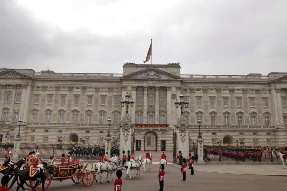 Britische Soldaten aus Gütersloh sind gerade als königliche Garde im Buckingham-Palast im Einsatz.