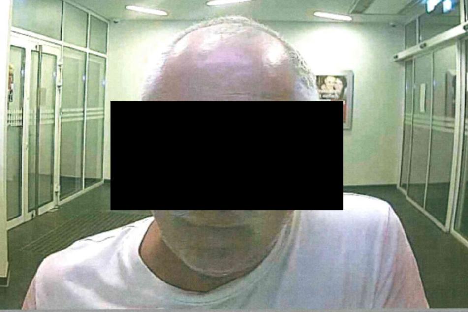 Wer erkennt den Täter anhand der Beschreibung oder der Abbildungen und kann ihn identifizieren?