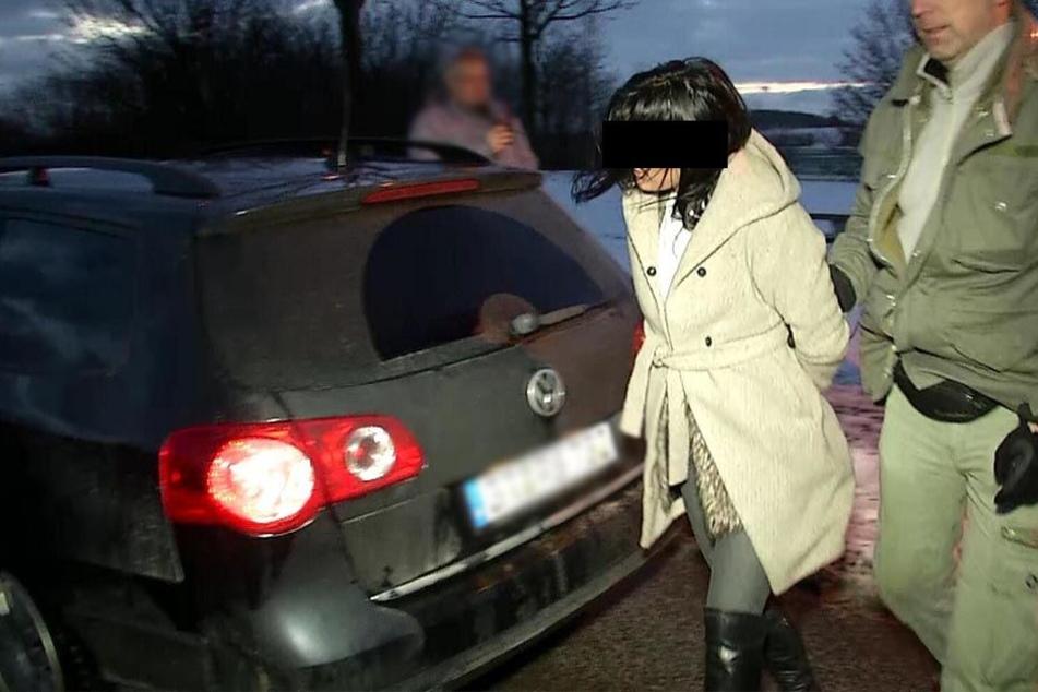 Bei Kontrollen an der Grenze gehen den Fahndern immer wieder geklaute Autos ins Netz.