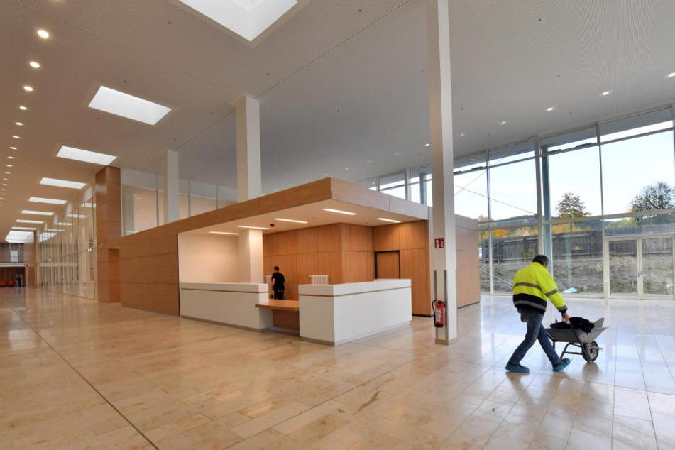 Schick, aber teurer als geplant: das neue Klinikum in Jena.