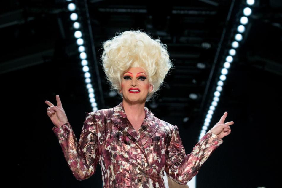 Dragqueen Olivia Jones hat am Donnerstag Anzeige gegen die AfD Sachsen-Anhalt erstattet.