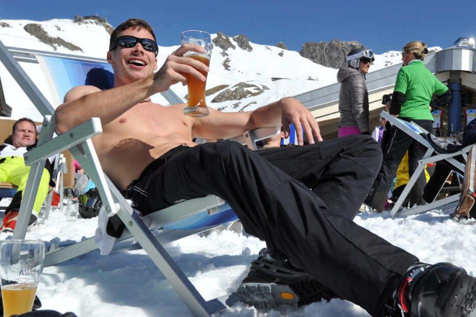 Hüttengaudi im Vergleich: So viel musst Du beim Après-Ski blechen