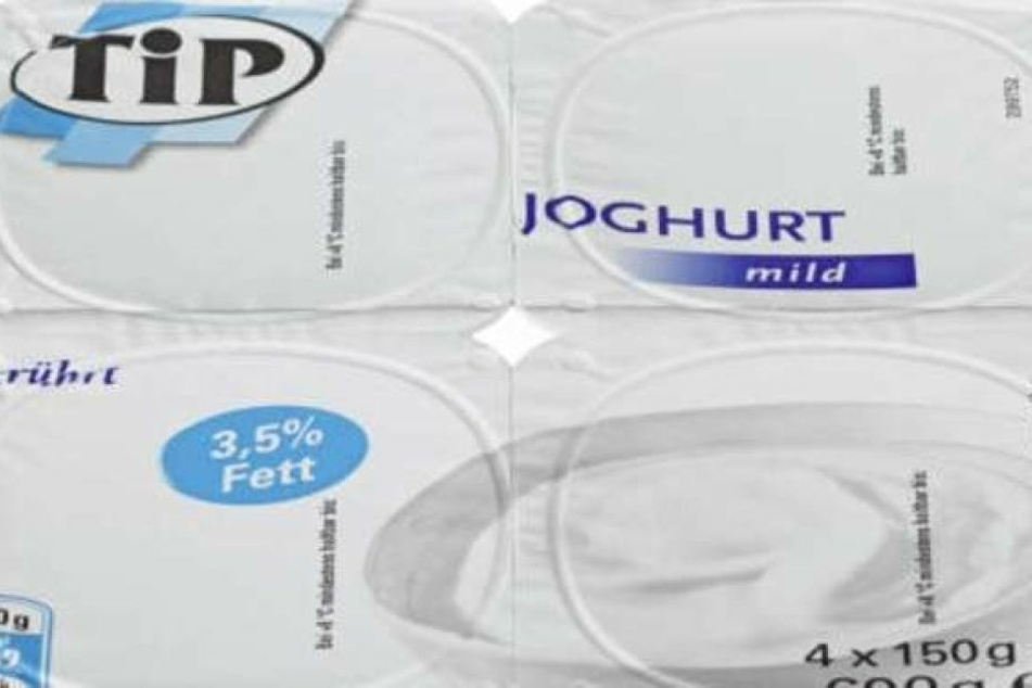 """Konkret geht es um Viererpacks des Produkts """"TiP Joghurt mild 3,5% Fett (4x150 Gramm)"""" des Herstellers DMK Deutsche Milchkontor."""