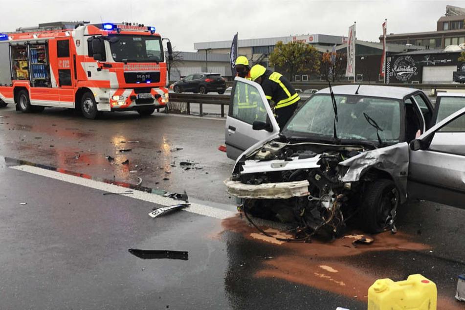 Unfall auf A661 bei Frankfurt fordert zwei Verletzte