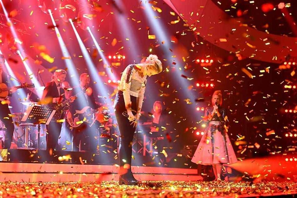 """Goldregen für die Siegerin: Levina siegte vor zwei Wochen beim ARD-Vorentscheid """"Unser Song 2017"""" und singt jetzt in Kiew für Deutschland"""