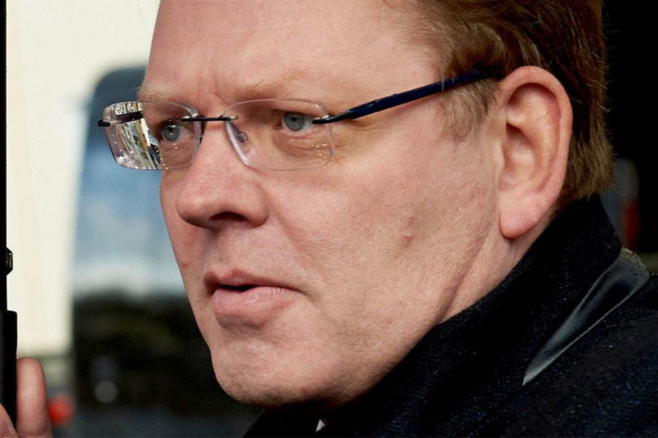 Der Bürgermeister von Altena, Andreas Hollstein (CDU), wurde am Montagabend niedergestochen.
