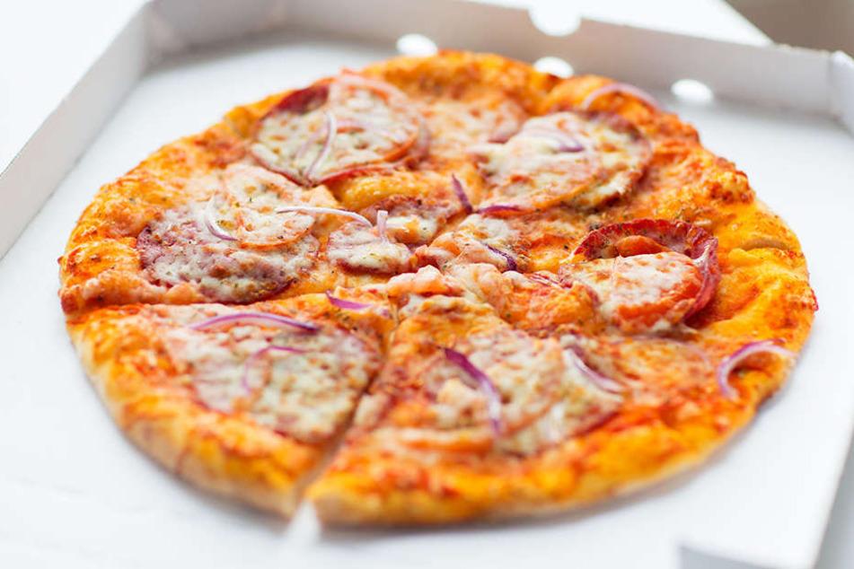 Dank der Polizei konnten die Kunden ihre Pizza noch warm erhalten.