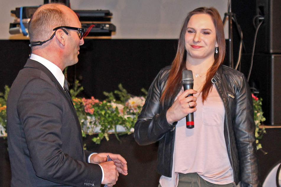 Moderator Marc Huster (46, L.) bekam Unterstützung von Olympia-Star Sophie Scheder (20).