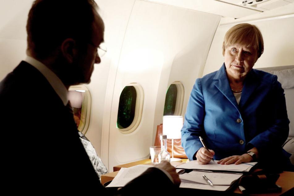 Angela Merkel bespricht sich in der ZDF-Doku mit Bernhard Kotsch.