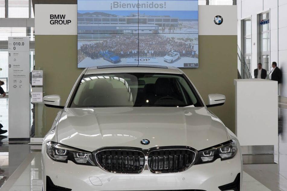 BMW hat sein erstes Werk in Mexiko eröffnet. Über eine Milliarde US-Dollar wurden für das Werk in Zentralmexiko investiert.