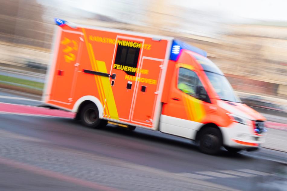Streit zwischen zwei Familien eskaliert: Drei Menschen verletzt