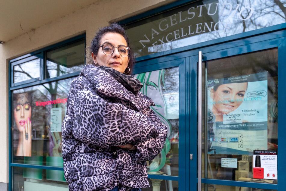 """Dina Chiper (47), Besitzerin des Nagelstudios """"Excellence"""", wartet auf die zweite Hälfte der Novemberhilfe."""