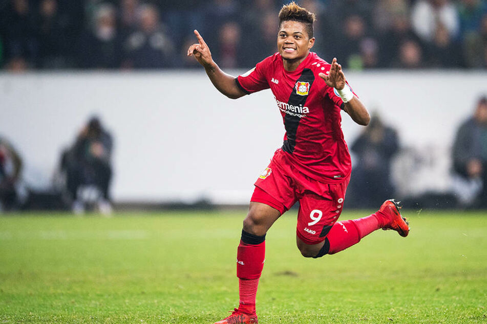 War der Shooting-Star der vergangenen Saison und hat seinen Vertrag bei Bayer 04 Leverkusen trotz vieler lukrativer Angebote bis 2023 verlängert: Leon Bailey.