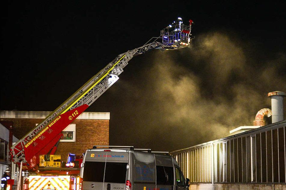 Brandstiftung? 60.000 Euro Schaden bei Feuer an Lagerhalle