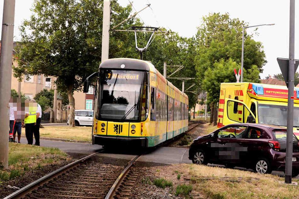 An diesem Bahnübergang passierte es: Die Straßenbahn kollidierte mit dem Radfahrer.