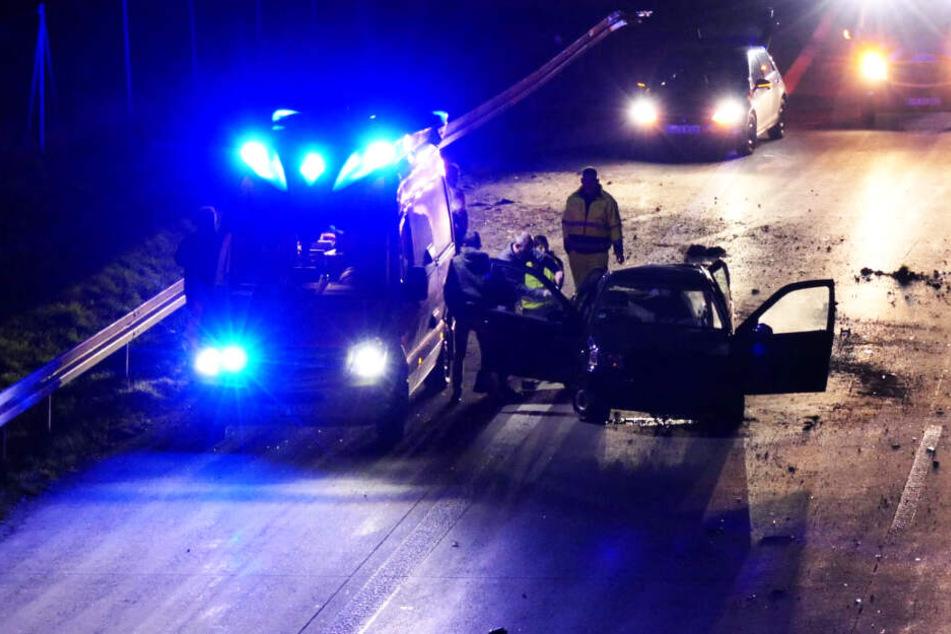 Auto rast in Mittelleitplanke: A14 blockiert!