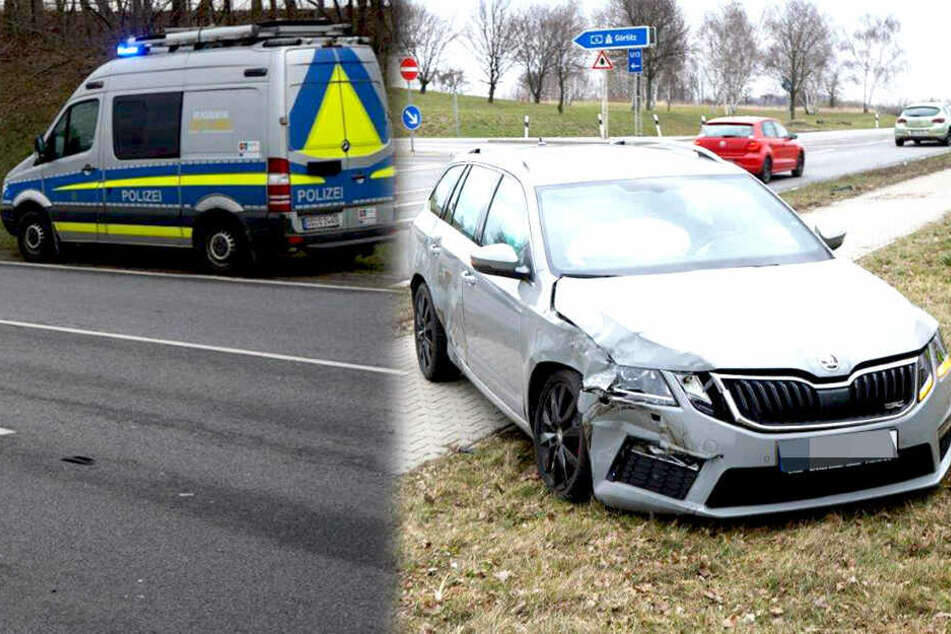 Peugeot-Fahrer bei Crash an A4-Abfahrt verletzt