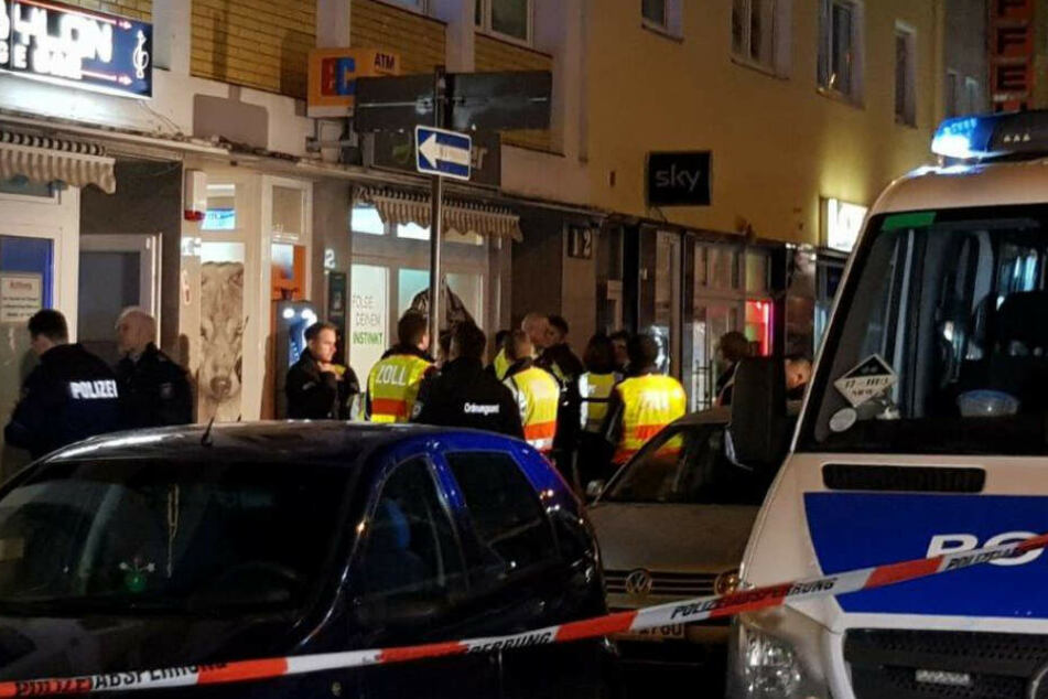 Die Polizei kontrollierte Wettbüros und Bars in Köln-Kalk.