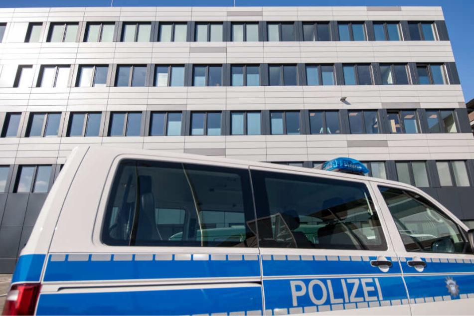 Die Polizei rettete das ungesicherte Kind aus 10 Metern Höhe. (Symbolbild)
