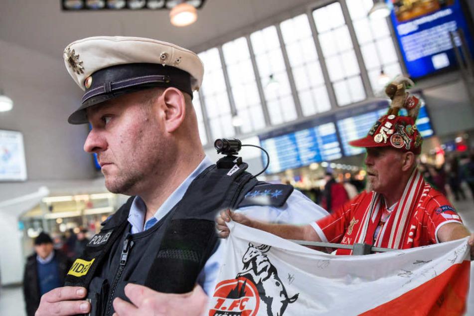 Die Bundespolizei soll am Samstag das Ligaspiel in Bochum begleiten.