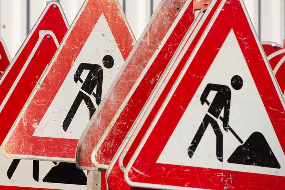 Wegen einer Baustelle geht es ab Geithain nicht weiter. (Symbolbild)