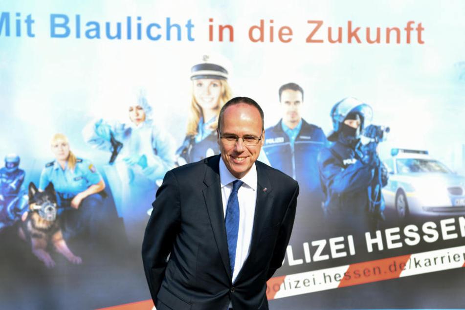 Der hessische Innenminister Peter Beuth (CDU) besuchte ebenfalls das Eignungsauswahlzentrum der hessischen Polizei.