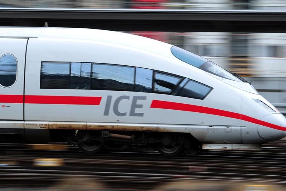 ICE entgleist! Mehrere Wagen aus Weiche gesprungen