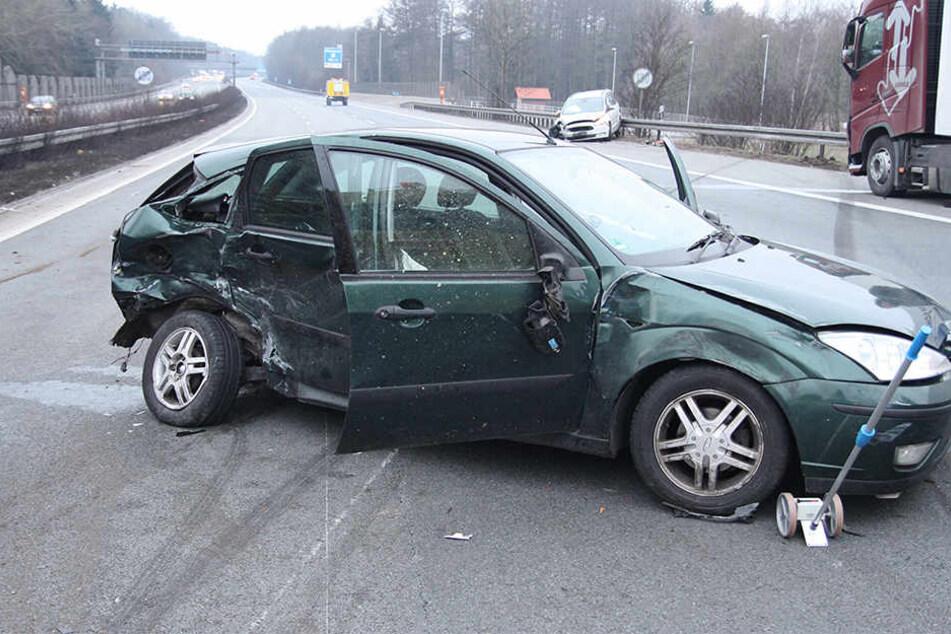 Nach dem Unfall musste die Autobahn für eine Stunde gesperrt werden.