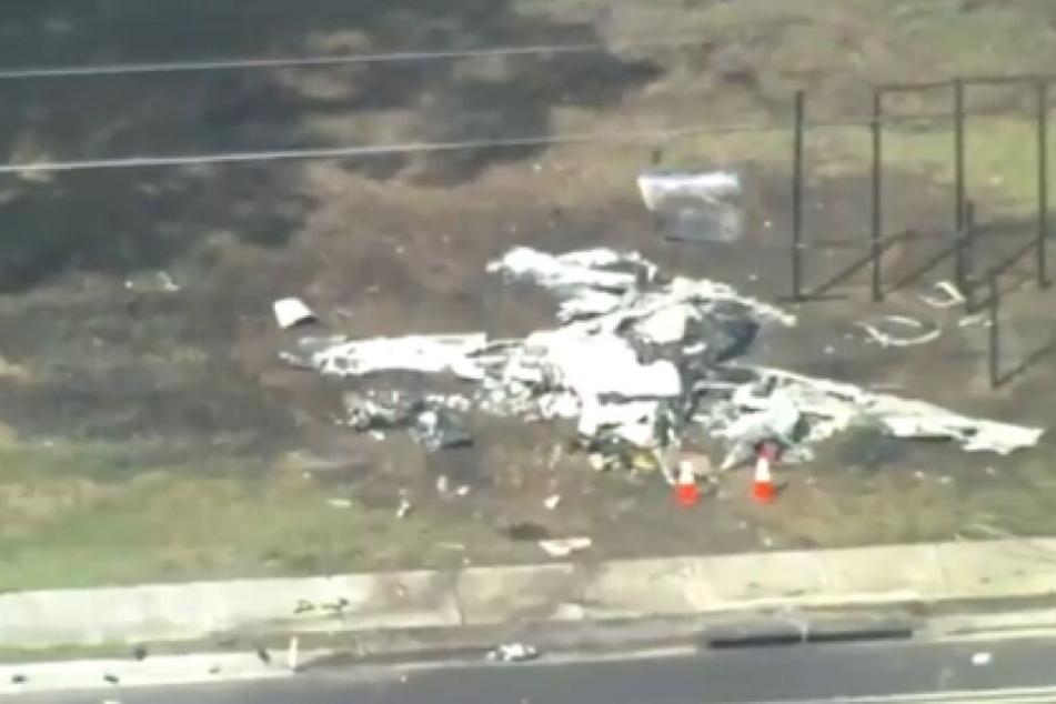 Flugzeug stürzt in Florida auf Auto: Zwei Menschen tot