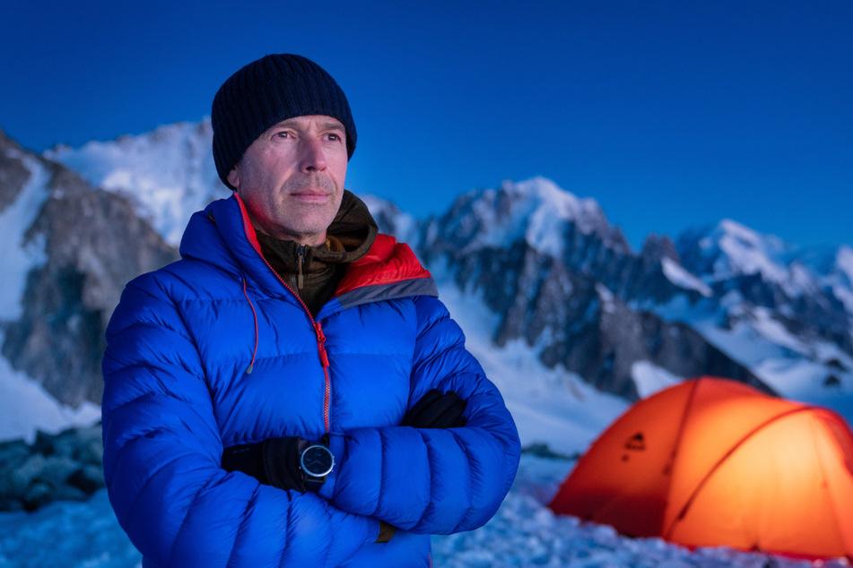 Für seine Dokumentationen zeltet Dirk Steffens (53) auch mal im ewigen Eis der Alpen.