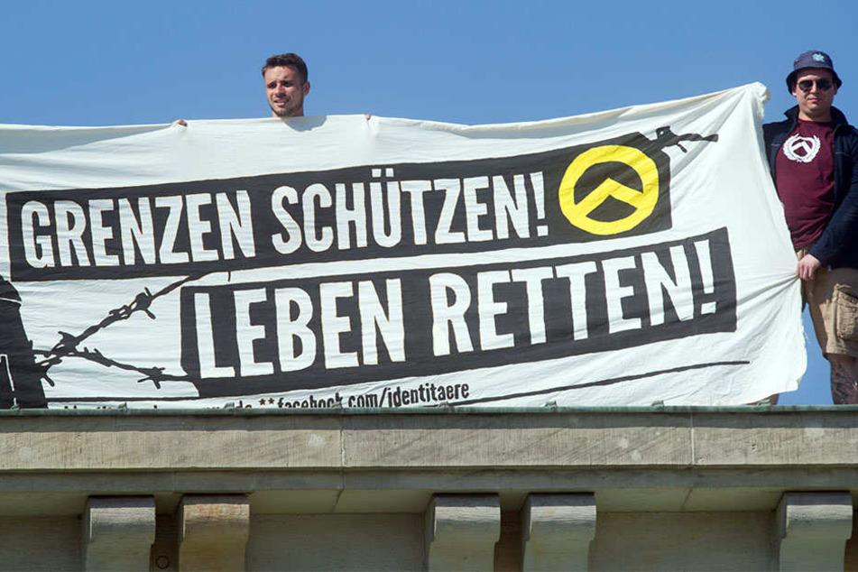 """Sind auch auf Facebook unterwegs: Die """"Identitäre Bewegung""""."""