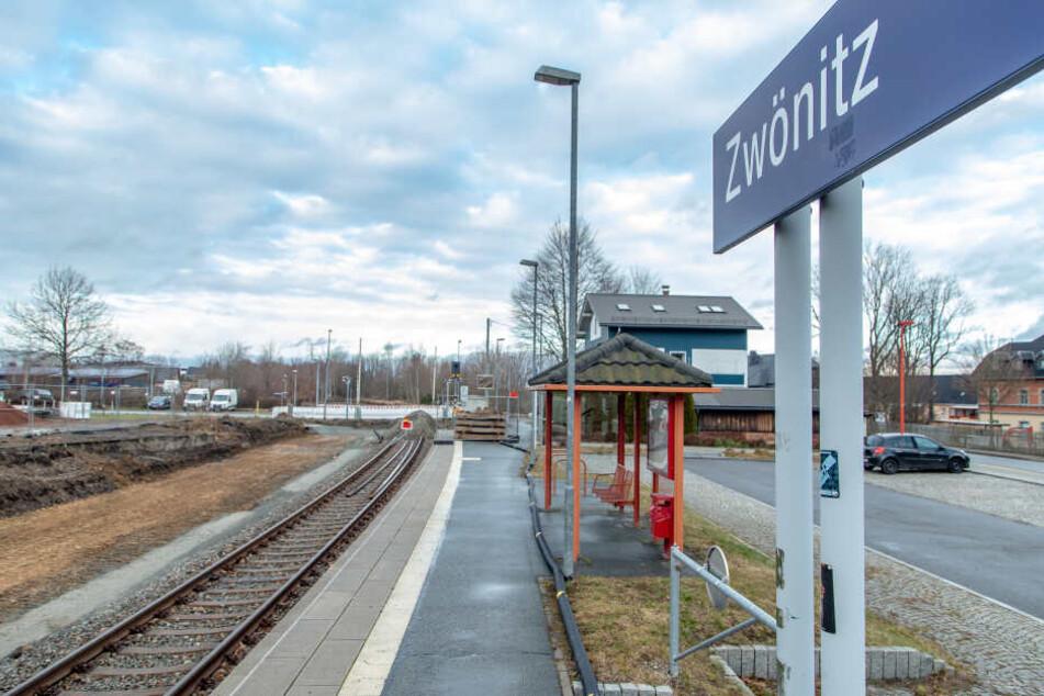 Am Bahnhof Zwönitz wird fürs Chemnitzer Modell demnächst ein zweites Gleis verlegt.