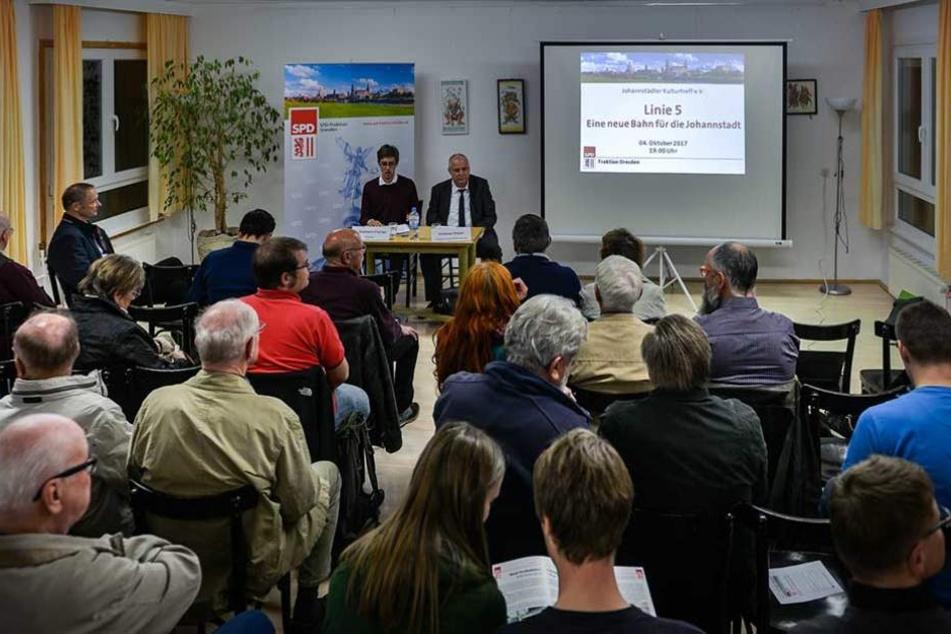 Die Bürgerversammlung im Johannstädter Kulturtreff war Mittwochabend sehr gut besucht.