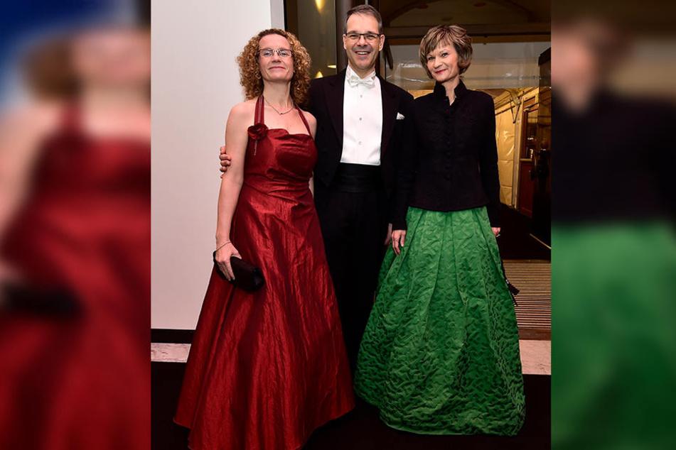 OB Barbara Ludwig (55, SPD) zeigte sich 2016 an der Seite von Theaterintendant Christoph Dittrich und Gattin Andrea (v.r.)