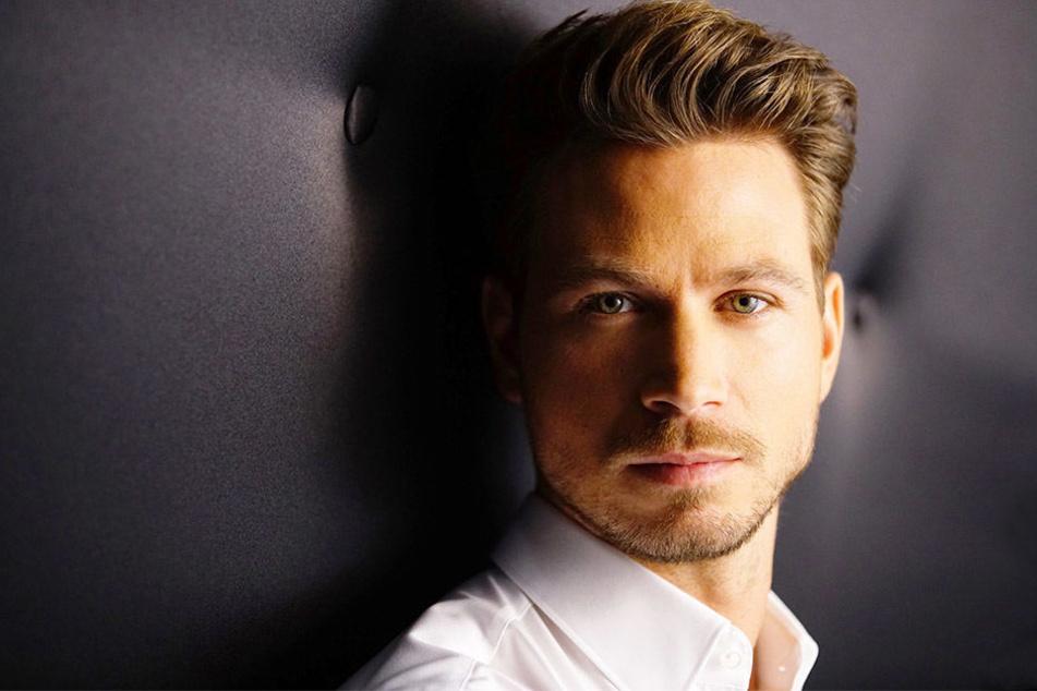 Sebastian Pannek ist der aktuelle RTL-Bachelor und kommt Ende März nach Bielefeld.