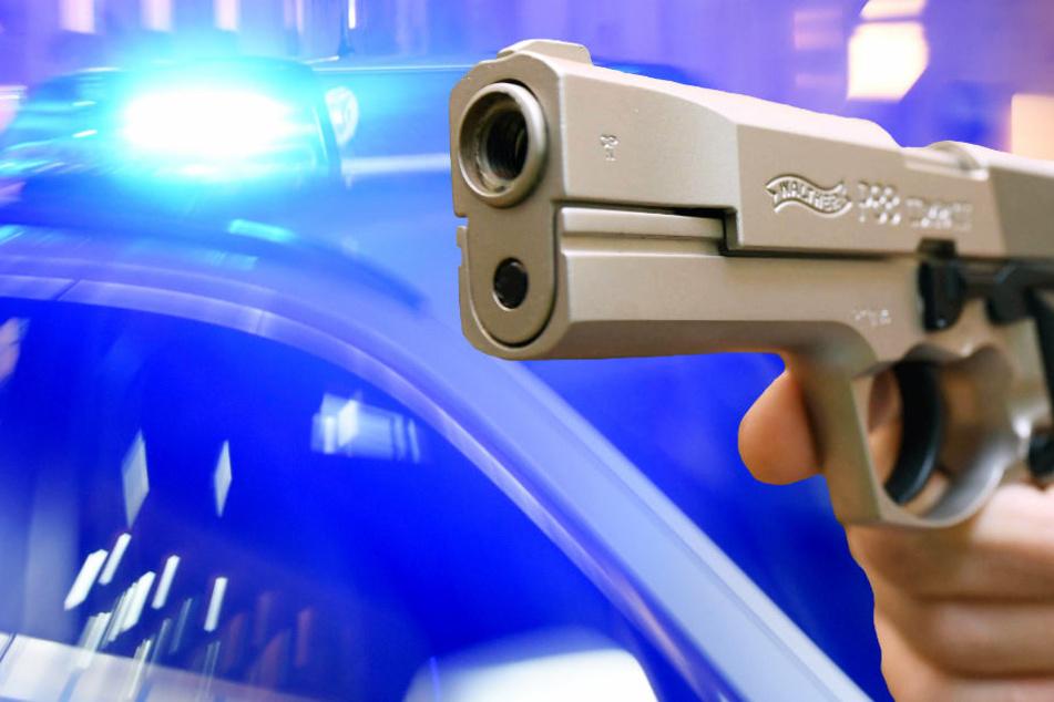 In der Wohnung fanden die Beamten eine Schusswaffe (Symbolbild).